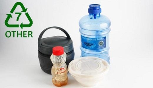 PC là loại nhựa nguy hiểm nhất, có khả năng cao sản sinh ra chất gây ung thư, gây vô sinh BPA.